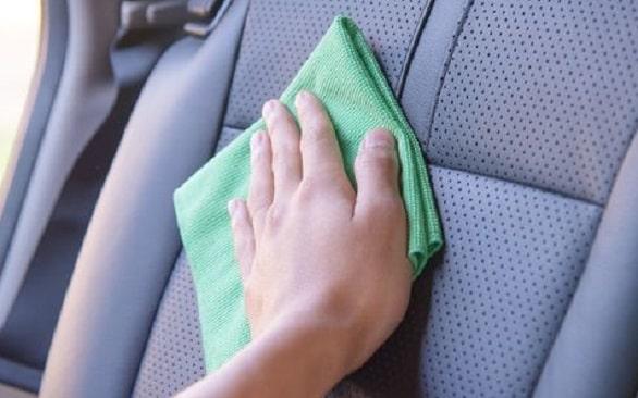 persiapan-dan-tips-membersihkan-jok-mobil-yang-sempurna