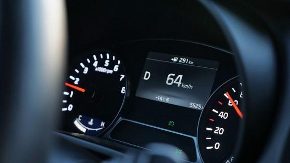 Kenali 4 Penyebab yang Membuat Tarikan Mesin Mobil Tersendat